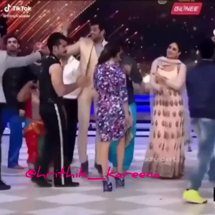 You are My soniya on jhalak dikhla jaa show on 2014 ❤️ . . @karanjohar #kabhikhushikabhiegham #k3g #youaremysoniya #KareenaKapoorKhan @MadhuriDixit