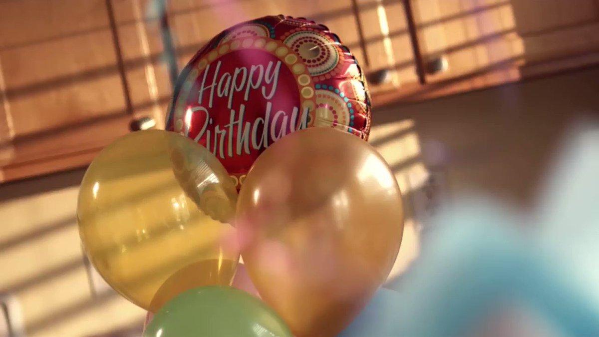 誕生日が一人で寂しいので海外のフリー動画素材使ったら一瞬で陽キャになった