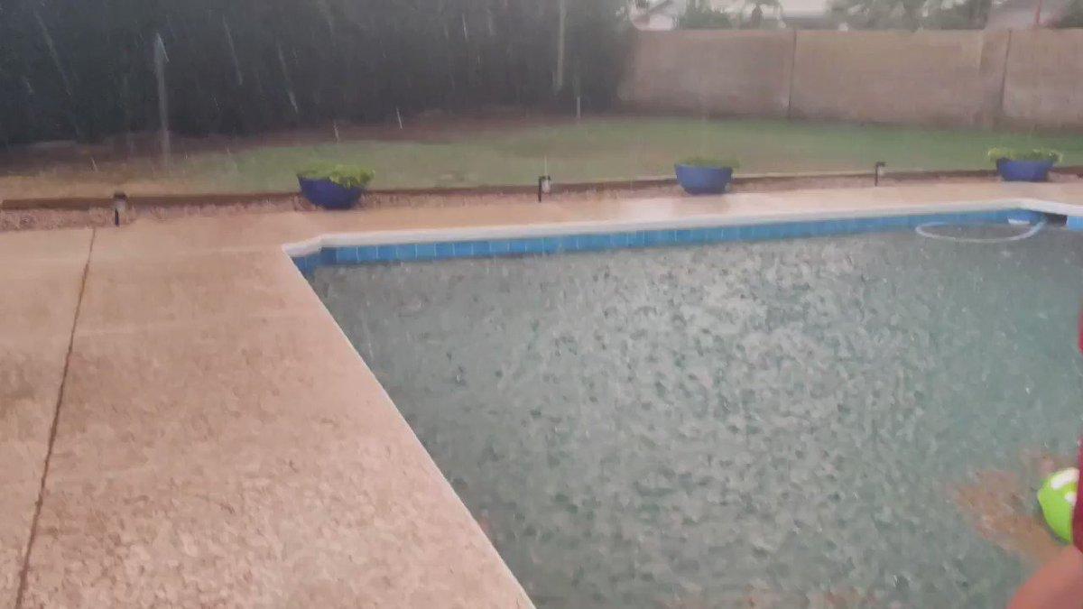 Sooooo... The rain picked up  #azwx #mesa #azfamilypic.twitter.com/kt9lCOWD1K