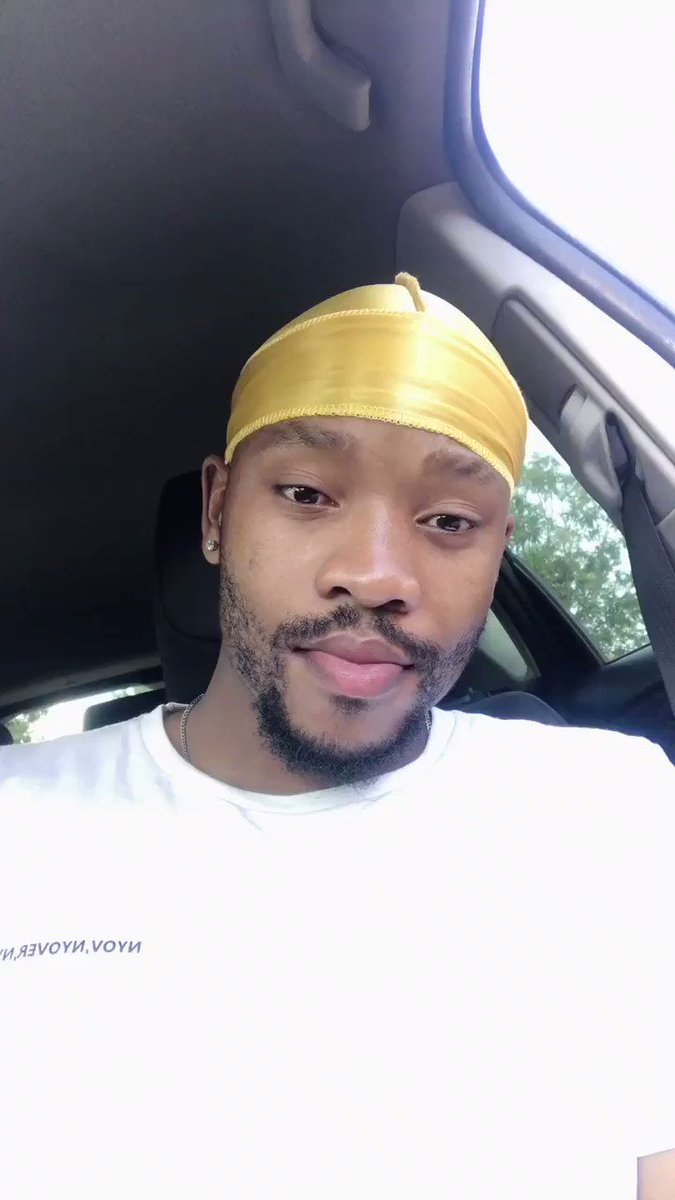 This Durag looks good on me though .. ❤️🥺.. like it was Designed for me .. anyway get your Durags @Durags_SA Dm them for orders or you can dm me .. 🌊 🌊!!