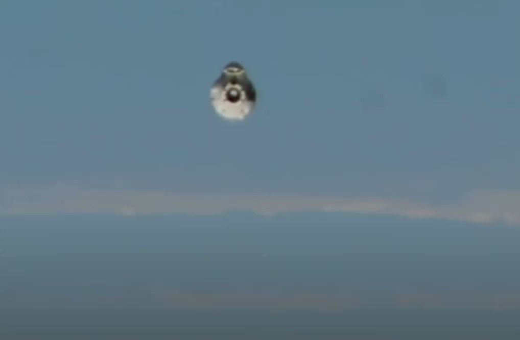 Image for the Tweet beginning: #Dragon #Spacecraft approaching ISS #NewsBurstLive