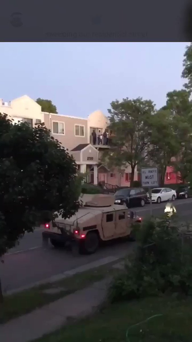 In case your were wondering what Martial Law Looks like.  #protests #martiallaw #deepstate #police #Minneapolis #LosAngeles #Louisville #newyork #OathKeepers #oathbreakers #AntiBlackWar #breakthemachine  #RiseUppic.twitter.com/1uBZeBotEO