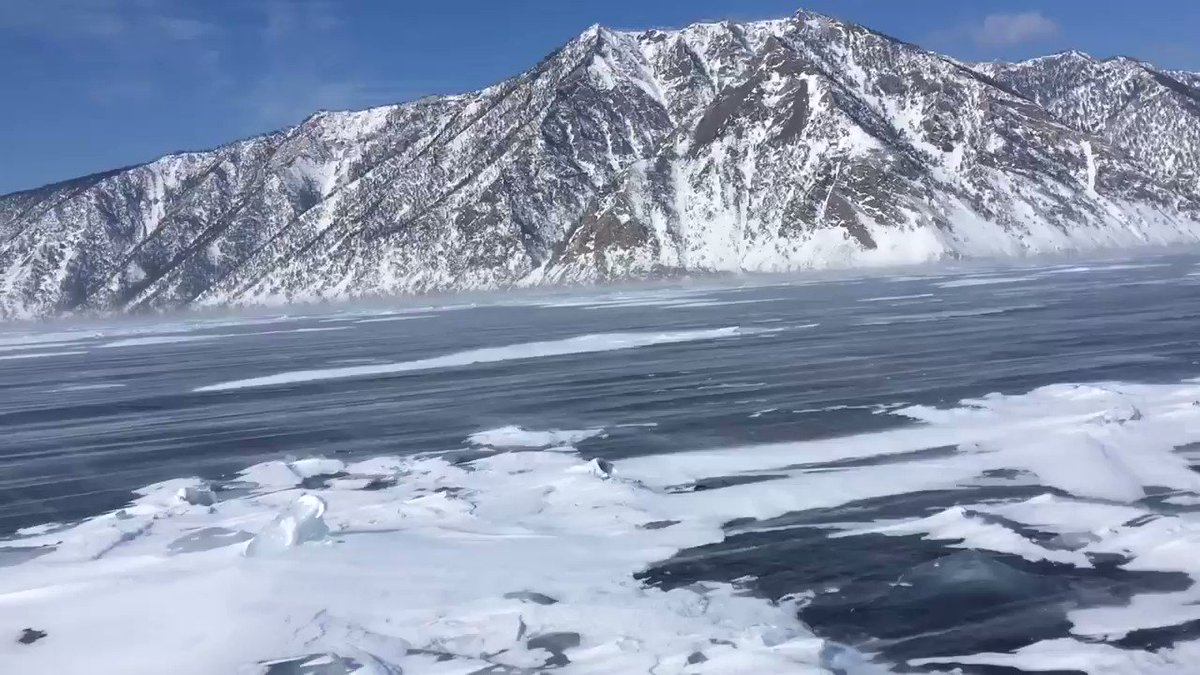 En février, j'ai traversé le lac BAÏKAL gelé, Sibérie, Russie.🇷🇺 #baikal #siberie #siberia #Russie #Russia #expedition #frozenlake #heavywind #ice #february2020 https://t.co/6G9Vp3IiPG