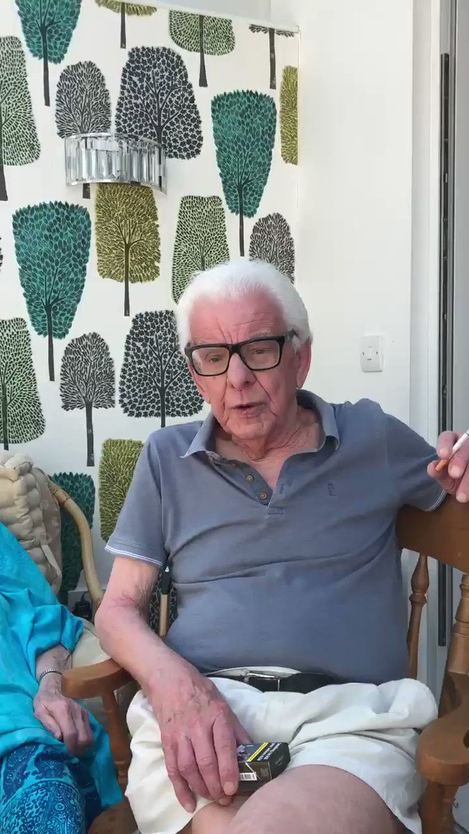 Lockdown Joke of the Day Part 2 from Baz #barrycryer #isihac #QuarantineLife pic.twitter.com/sqVXPvQTUt
