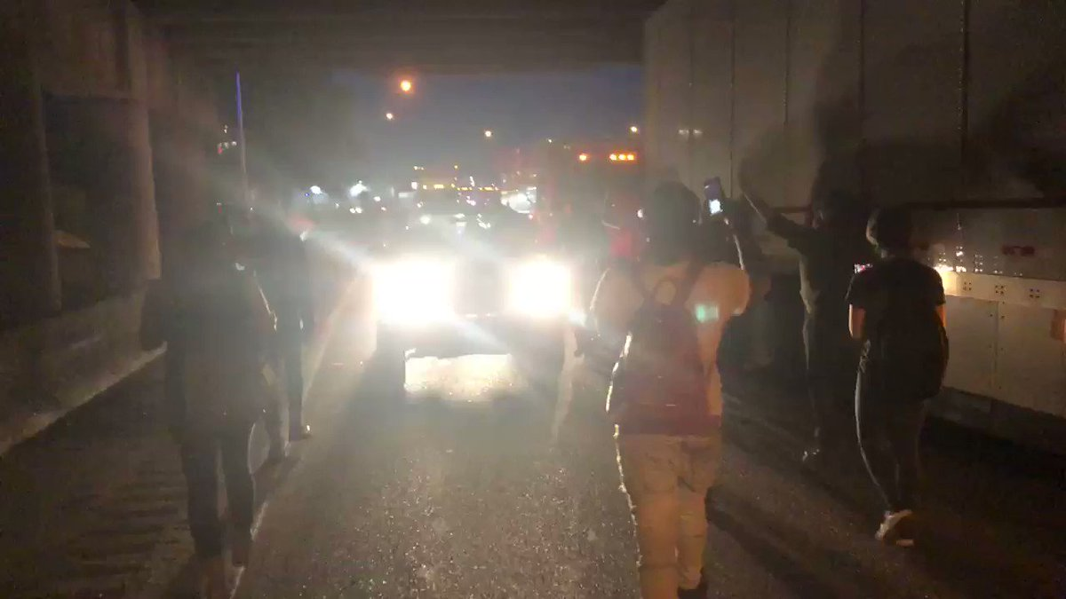 Protesters on I-55 now. They are not on the bridge. #GeorgeFloyd #Memphis