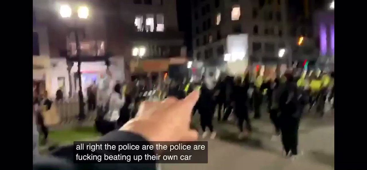 BREAKING:  The POLICE are Destroying their OWN CARS to Blame Protestors at #BlackLivesMatter !!!!  Wtf!! Caught on camera! #Media You need to Put this on the NEWS !!! pic.twitter.com/k3gcD0MNoJ #GeorgeFloyd #BlackLivesMatter #USAonFire #DonaldTrump