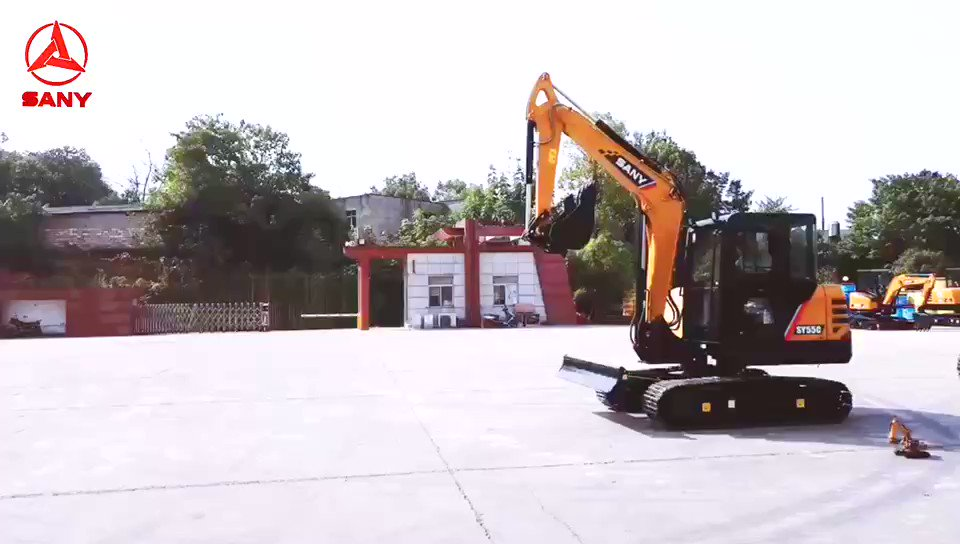 """Could you find """"little George"""" in the excavator family?#Sanywithyou https://t.co/GEDVt44rFX"""