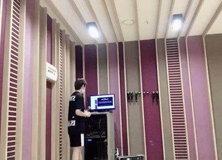 저희끼리 마이크 갖고 놀다가 불러본 연습생때 추억의 노래🙈 Justin bieber-boyfriend (acoustic ver.)