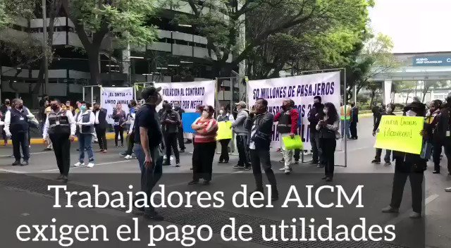 Image for the Tweet beginning: 🔴 Trabajadores del #AICM bloquearon