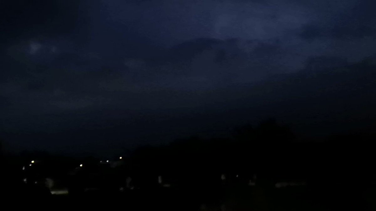 La tormenta eléctrica de ayer fue increíble // Last night's electric storm was amazing 🌩️🌩️ #baixomiño #galicia #tomiño