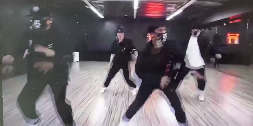 Hey anyone knows the original name of this dance please, want to see the original to learn, thanks!#街舞 #hiphop #Vedioreadingpic.twitter.com/Awfb8cjiX4