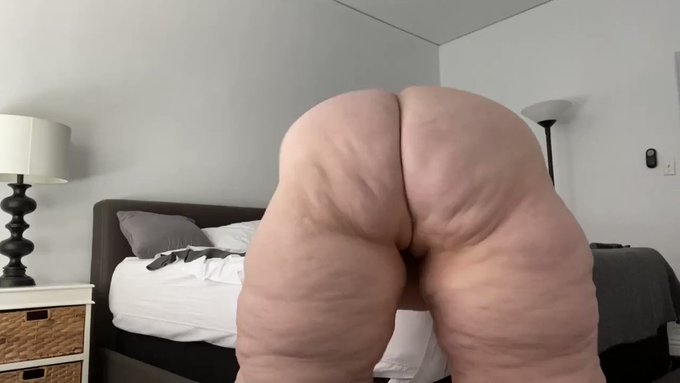 Hot vid sold! BBW Supersize booty clapping https://t.co/Hnh05YluQe #MVSales https://t.co/Qn882Sjyra