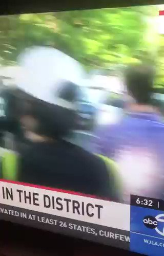 #Australia will probe a US police assault on @7NewsAustralia journalists outside the @WhiteHouse caught live on camera.  @AmeliaBracepic.twitter.com/2RybJ05CQp