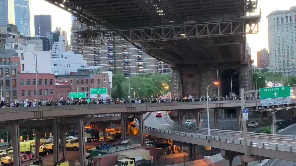 Another view of the crowd crossing from Manhattan into Brooklyn #BlackLivesMatter