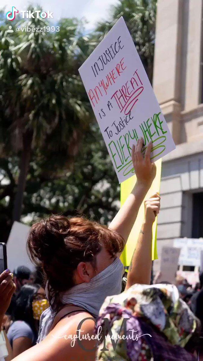 #Peacefulprotest #savannahprotest #blm #photographer this was by far one of the top 10 best days of my life  feeling apart of something far bigger than myself, knowing this is going to go down in history and we are going to make changes is amazing. pic.twitter.com/uAUw5yiWyn