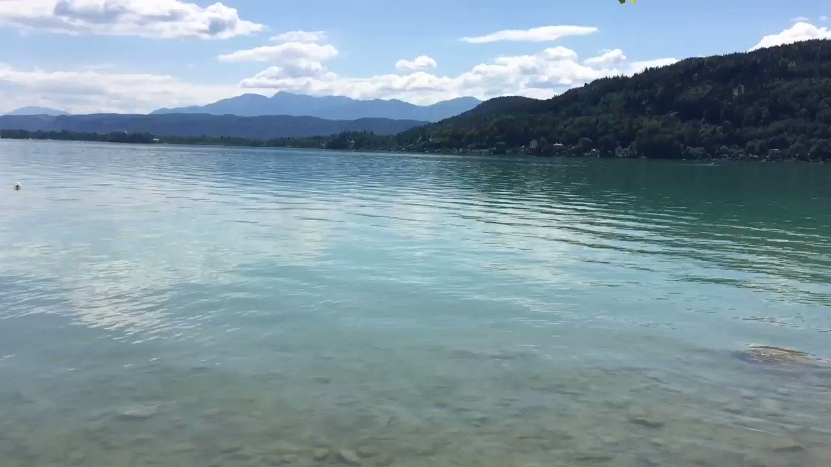 I also captured this special silence, which was not silence (a cute bird sings in the background), on video. For me, the Wörthersee emanates particularly magical and unique energy - feel, see, hear.. it itself.~ MMyLife #LakeWörthersee #Austria #EnjoyTheSilence @StormHour  pic.twitter.com/LgyG72yC5V