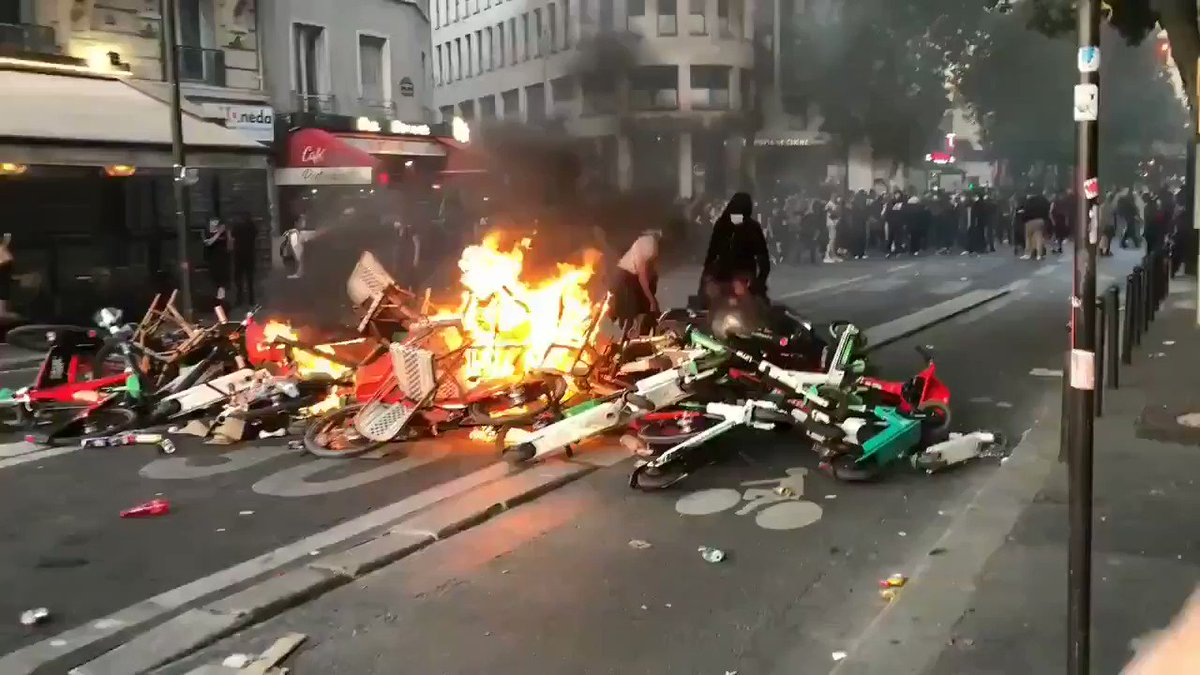 Apparently, Paris prepares itself for an uprising too. #France #blacklifematters