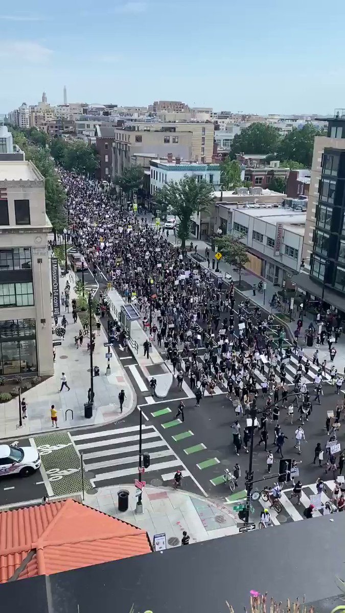 @realDonaldTrump I don't think Trump knows how unpopular he really is... 😳 Washington, DC this hour doesn't look like one of his Mar Largo weekends. He can't even walk down the street without tear gas and military backup...