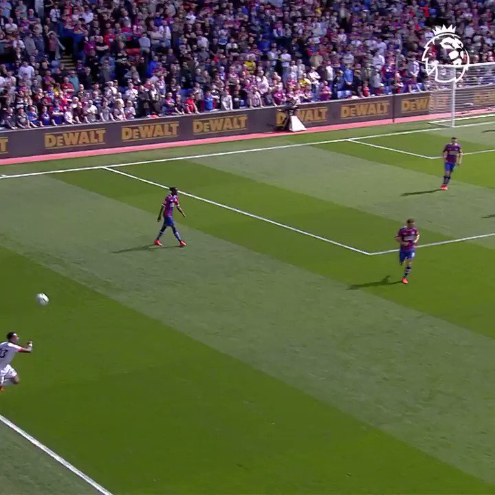 #PremierLeague goal of the day. Top    pic.twitter.com/kxaiRUZKwc