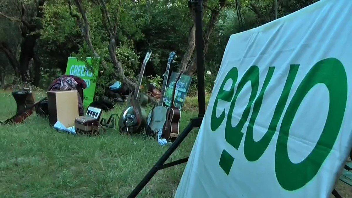 Hace 9 años echamos a andar seguros de la necesidad de un partido verde en España. Hoy la ecología política es la base de cualquier política decente, como subrayan nuestros coportavoces @isabanes y @fmarcellesi #FelicidadesEquo 💚🌻 Únete a la #olaverde👇 unete.partidoequo.es