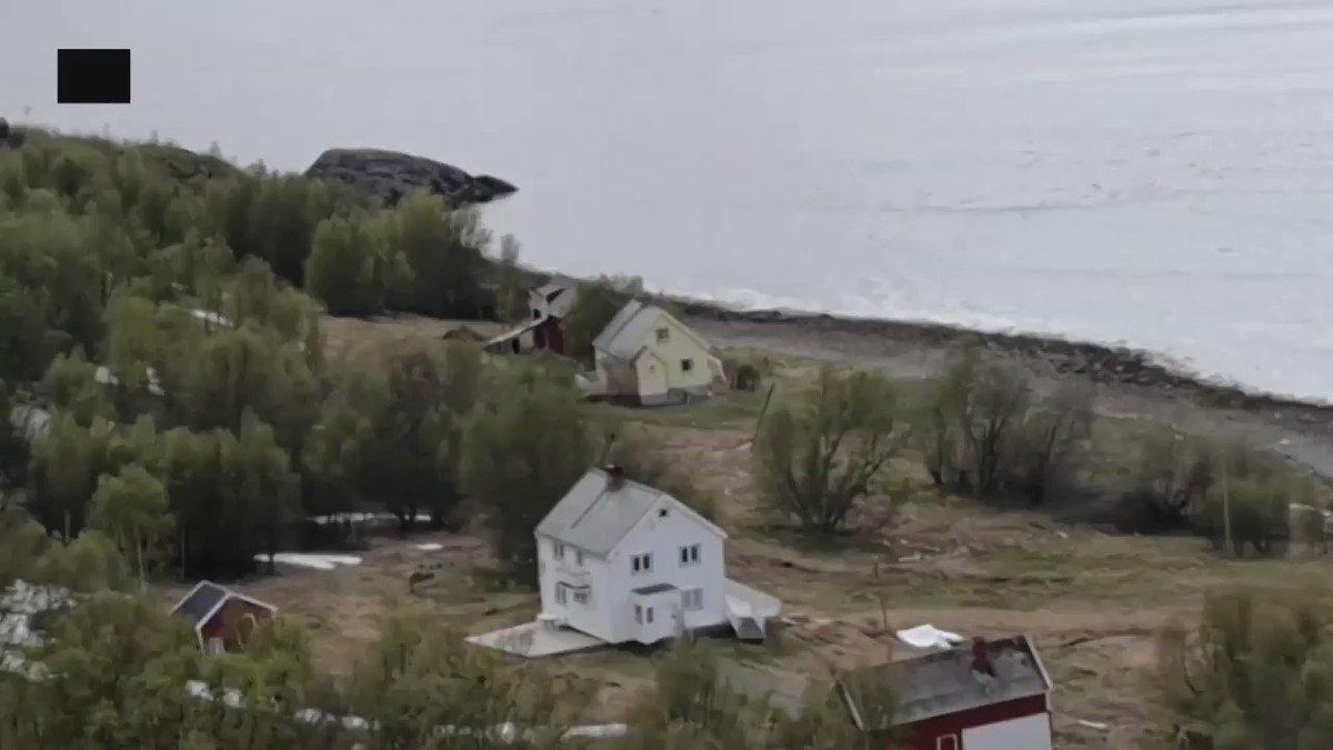 Un impressionnant glissement de terrain dans le Nord de la Norvège le 3 juin, indique le commentaire de cette vidéo, qui se demande s'il s'agit d'une fonte du permafrost.