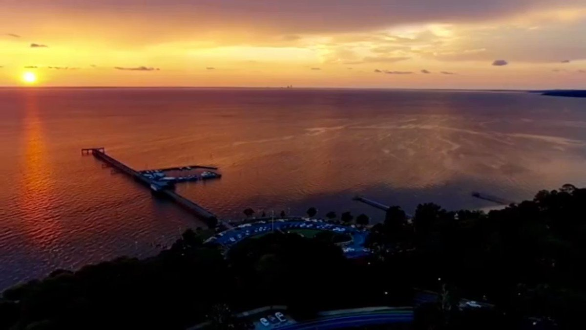 Wow! What a stunning evening on the Eastern Shore. Thanks to John Oldshue for this video from Fairhope, AL. @WKRG #alabama #alwx #weather #sunset