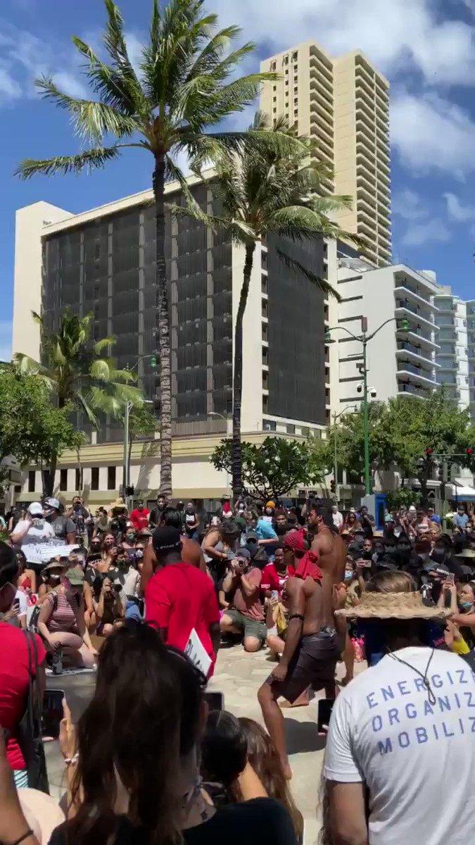 Hawai'i for #BlackLivesMattters . https://t.co/yffpNU5lTJ