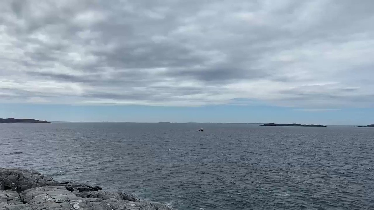A bit of blue sky today, not much, rain is on the way... #WestCoast #Norway #NorthSeapic.twitter.com/bvCKkMKgiD – at Ryvarden fyr