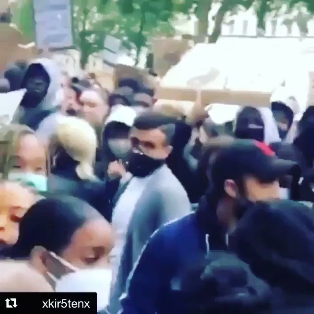 QUEEN @Madonna at the #BlackLivesMatter protest in #London TODAY! always on the right side of history!   #madonna #londonprotest #BLMLondon #queenmadonna #uk pic.twitter.com/NEmR6M1V8E