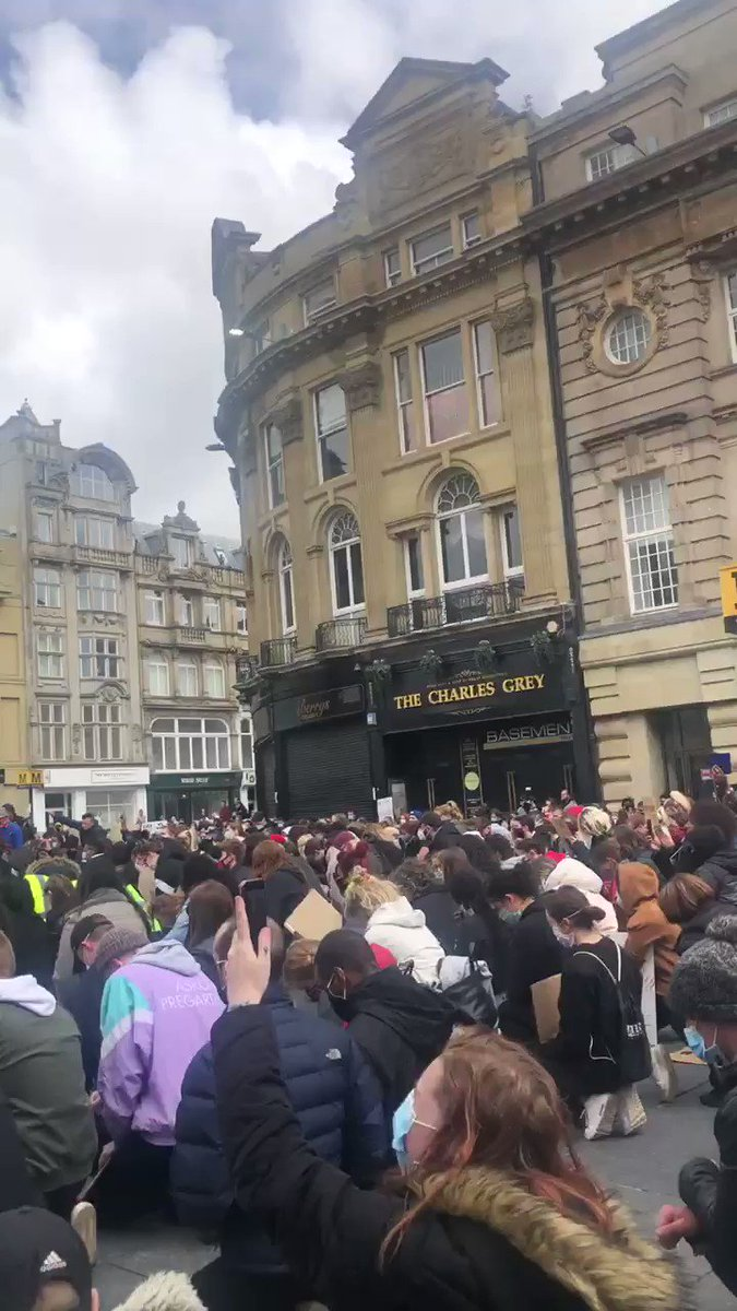 2020 could be used a LESSON TO HUMANITY, for those who want to learn.  #BlackLivesMatter #NewcastleUponTyne #uk #ukprotests #TogetherWeCanpic.twitter.com/DTQirahUOy