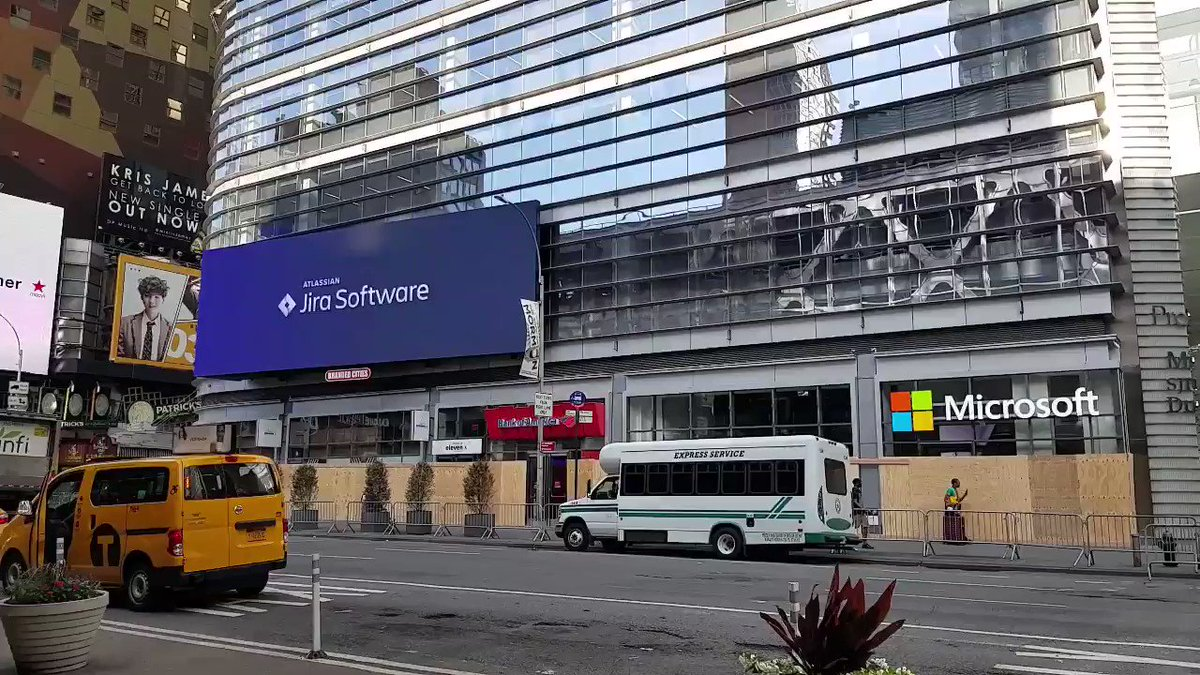 Nice ad location, @Atlassian @Jira! 😁  #jira #Microsoft #commercial #newyork #NewYorkCity #timessquare https://t.co/B16OSnM4t7