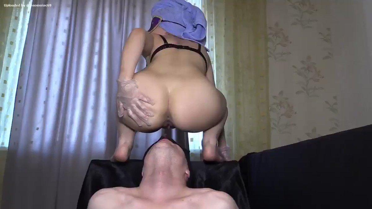 Порно муж снимает как жена срет