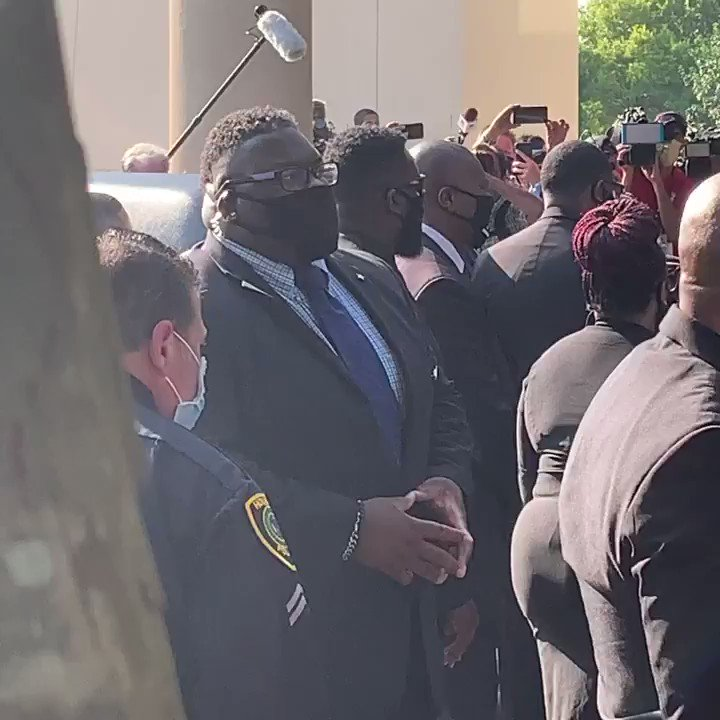 A GLIMPSE of #GeorgeFloyd casket as it arrives at Fountain of Praise Church. #Houston #Texas