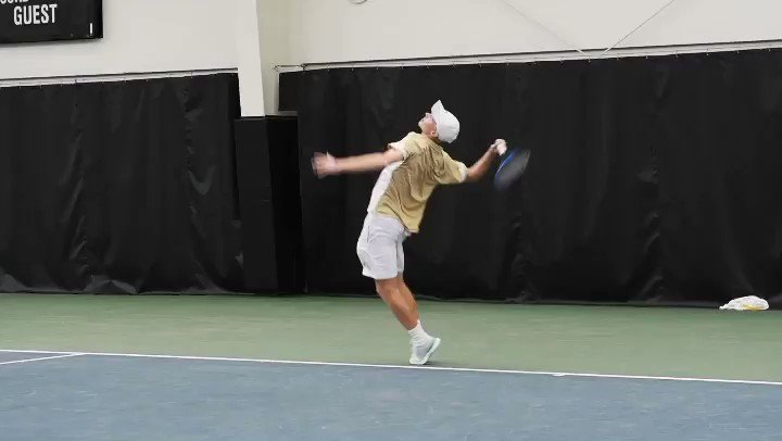 Cole Gromley served up some 🔥🔥🔥 highlights this past season #FightJackets🐝👊 #TogetgerWeSwarm🐝🎾