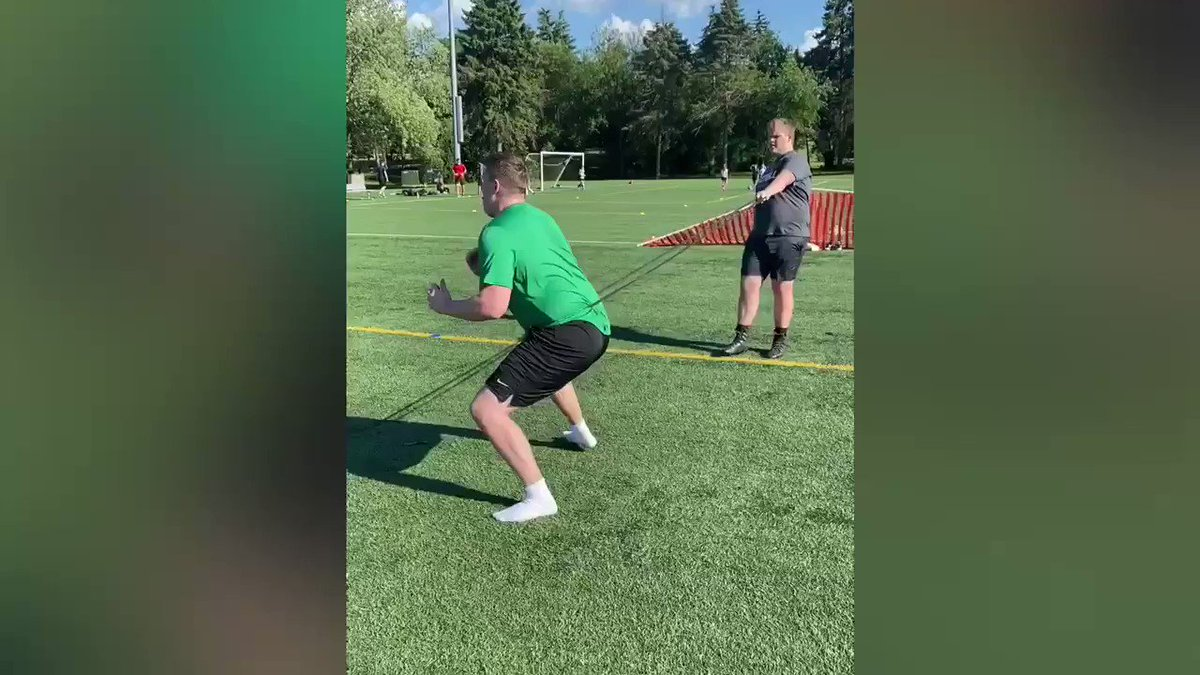 @RBoersmaXXL @maxjablonski @_jack_wall all ways putting in work @EFTfootball. Great job fellas. We get it in at the Oak Brook location. DM me for details! #OLinePride