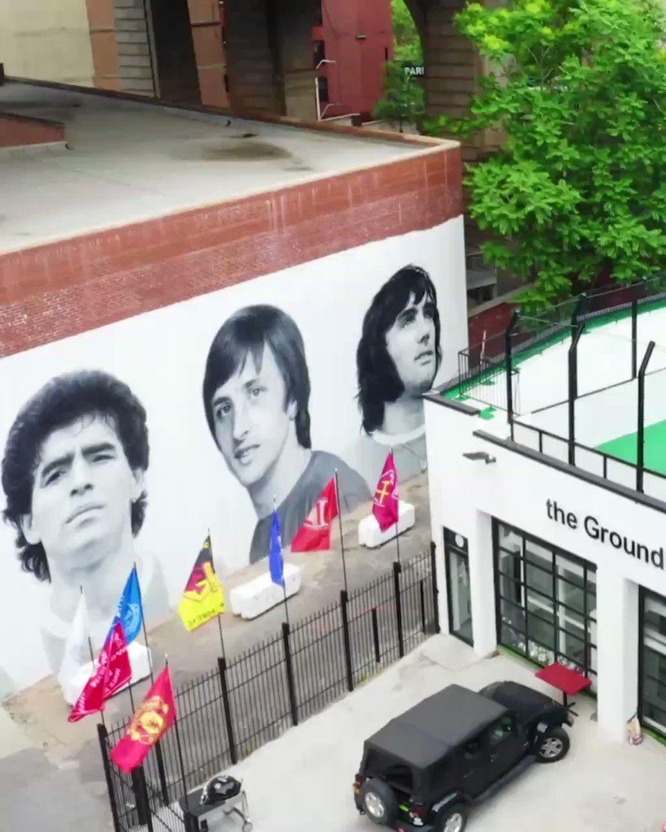 😍 Beautiful mural in #NewYork! 🎨 #TheGroundNYC