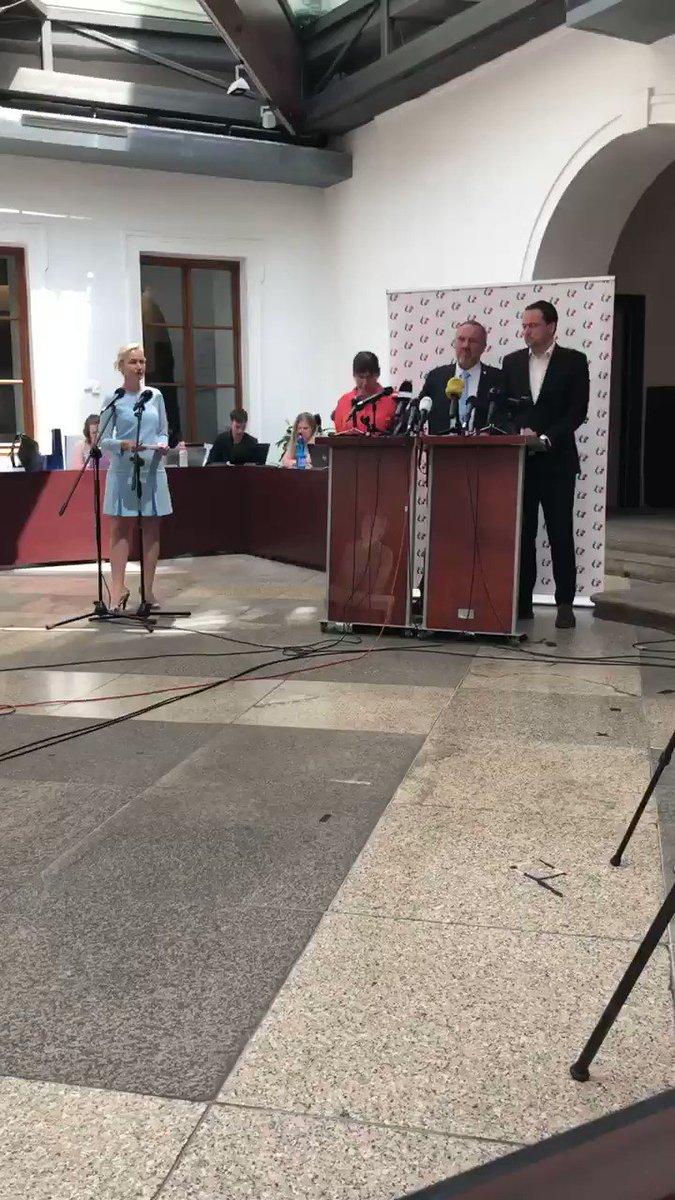 Dnešní tisková konference KSČM a Milada Horáková. https://t.co/FJFK1fRFeq