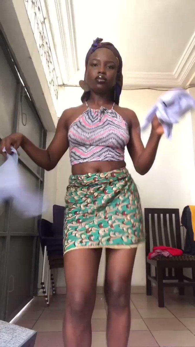 MAPOUKA 🇨🇮 Danse traditionnelle originaire de Côte d'Ivoire et dansée par les peuples Avikam et Tiagba (peuples lagunaires). Ils font partie du groupe Akan. Je danse sur les sons de Niguissaf cadence. Les enfants quittez 🤣