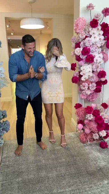 Tim and Anna Robards - Bachelor Australia - Season 1 - Fan Forum - #2 - Page 42 Uejnx_DZseTa2U7z