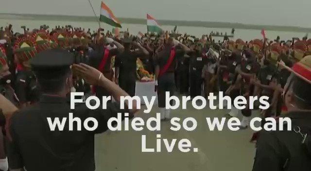 हमारे भाइयों को श्रद्धांजलि। हमारे लिए आपने सर्वस्व निछावर कर दिया। ये बलिदान हम कभी नहीं भूलेंगे।