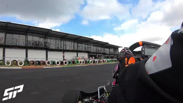 ¡Preparación a fondo para arrancar la temporada!  Les dejo una vuelta de hoy en el shifter 👊🏻 #F1 #karting