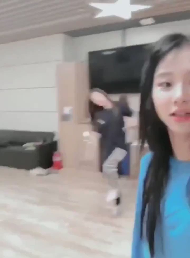 ok but can y'all remember nayeon's dtna drunk version? #2YearsWithDTNA