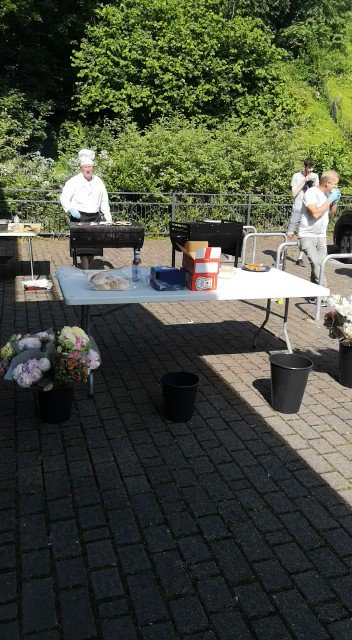 Its another beautiful day 🌞 Yesterday we enjoyed bacon butties (and veggie alternatives!) on the bbq as a small token of appreciation for all thats been done over the last few months.