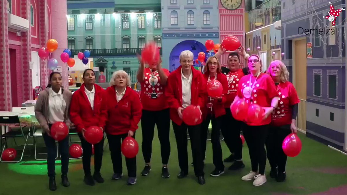 Filmed in January, the @DemelzaHospice staff and volunteers pulled out all the stops to make this party memorable. A lot of happy faces. 😁  @VisitChis @DemelzaKatie @DemelzaAmy https://t.co/IUK9ZCpw3f