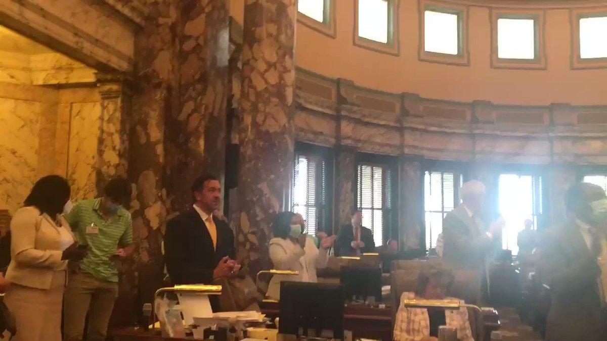 Standing ovation in the Senate. #msleg