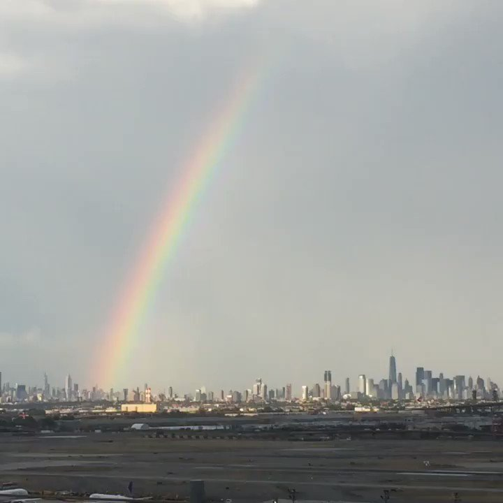 It can't get better than this! A 🌈💕over NYC! What a celebration ! Love is Love ! Happy PRIDE DAY ! Believe in LOVE @weareunited @ualEQUAL @MsDeNiece007 @Patriciaalzapi1 @MariaPerdomoEWR @tmorv13