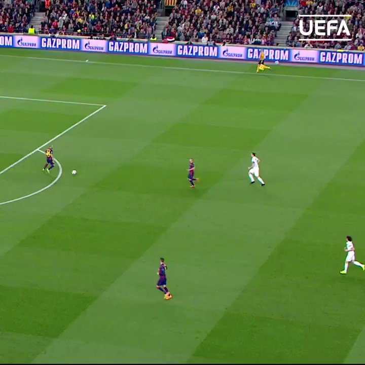 🔵🔴 Andrés Iniesta magic leads to goal ⚽️  #UCL | @FCBarcelona | @andresiniesta8 https://t.co/ubK6svwZ5n