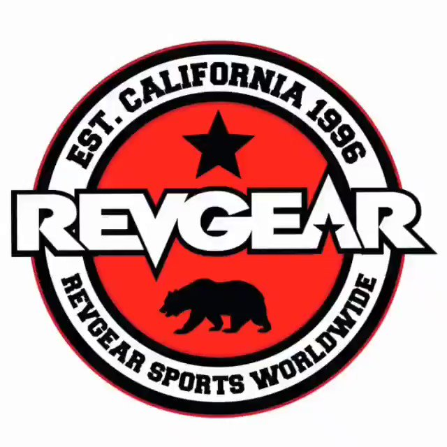Welcome to the team @hannah_goldy  #revgear @DinThomas https://t.co/OiW9j7kJka