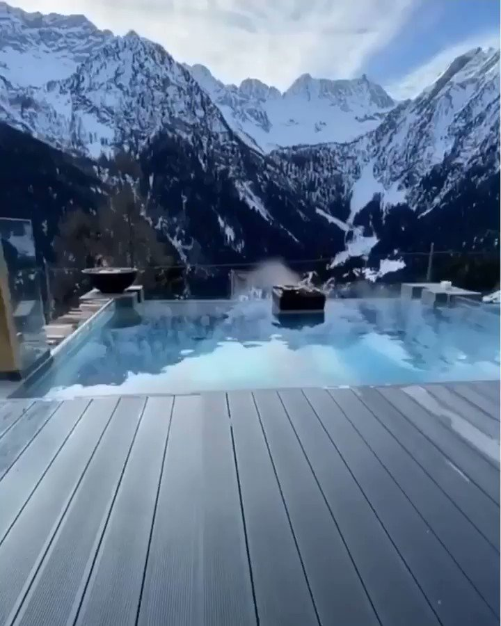 Hotel Chalet Al Foss is located in a tranquil area of the Val di Sole, 1.2 mi from Vermiglio. It offers panoramic views of the Presanella glacier and a free shuttle service to the Passo Tonale ski area.  Location: Val Di Sole, Italy  . . . #wanderlust #Instatravel #travellerpic.twitter.com/wMvcwdyslu