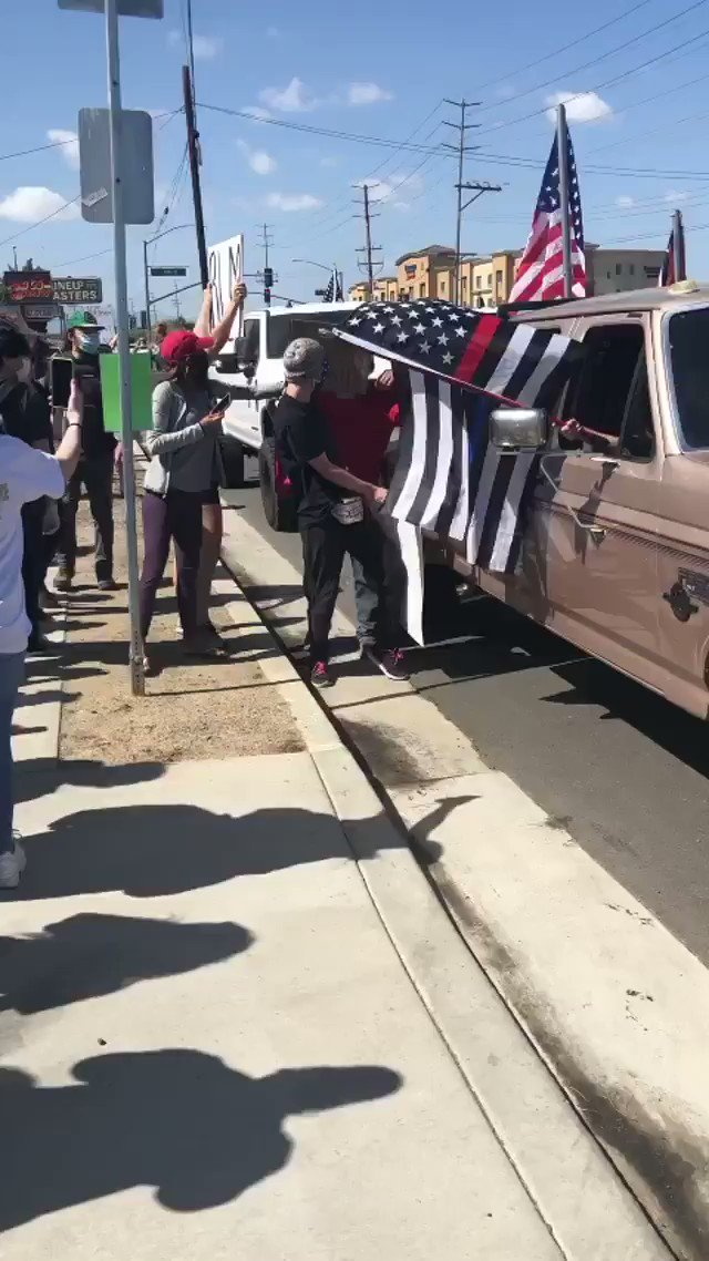 A bunch of white supremacists showed up to a Black Lives Matter Protest in Norco, California. No tear gas for them, no batons, no arrests as they assaulted the protesters. 🎥: @le_maria21